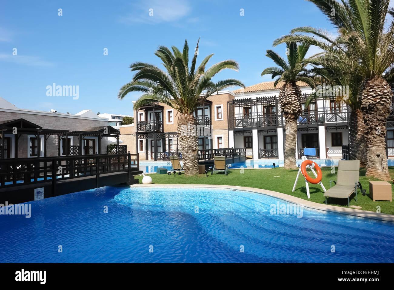 Piscina A Torre Del Greco big blu piscina, torre e del terreno in alta classe greco