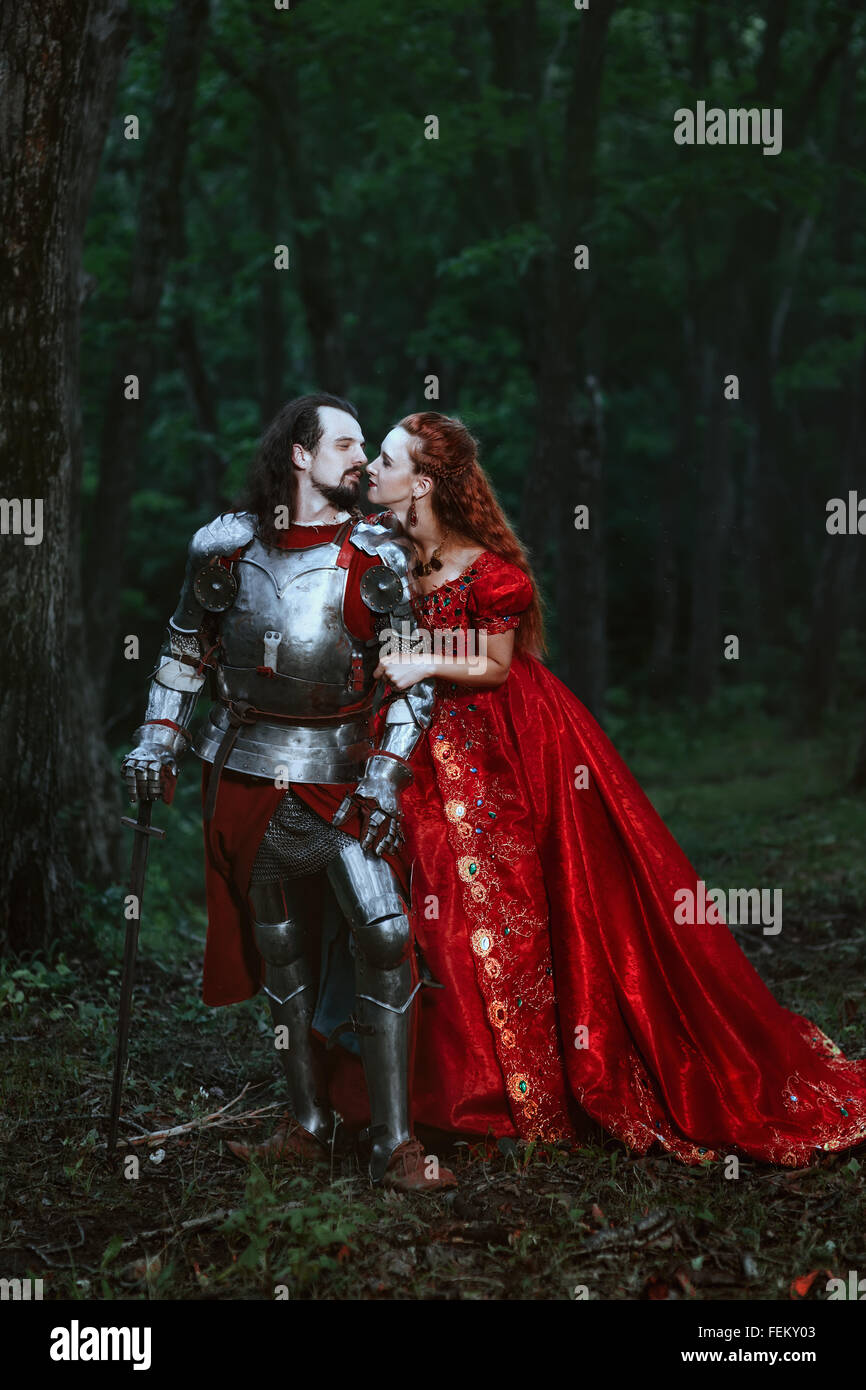 Cavaliere medievale con la signora Foto Stock