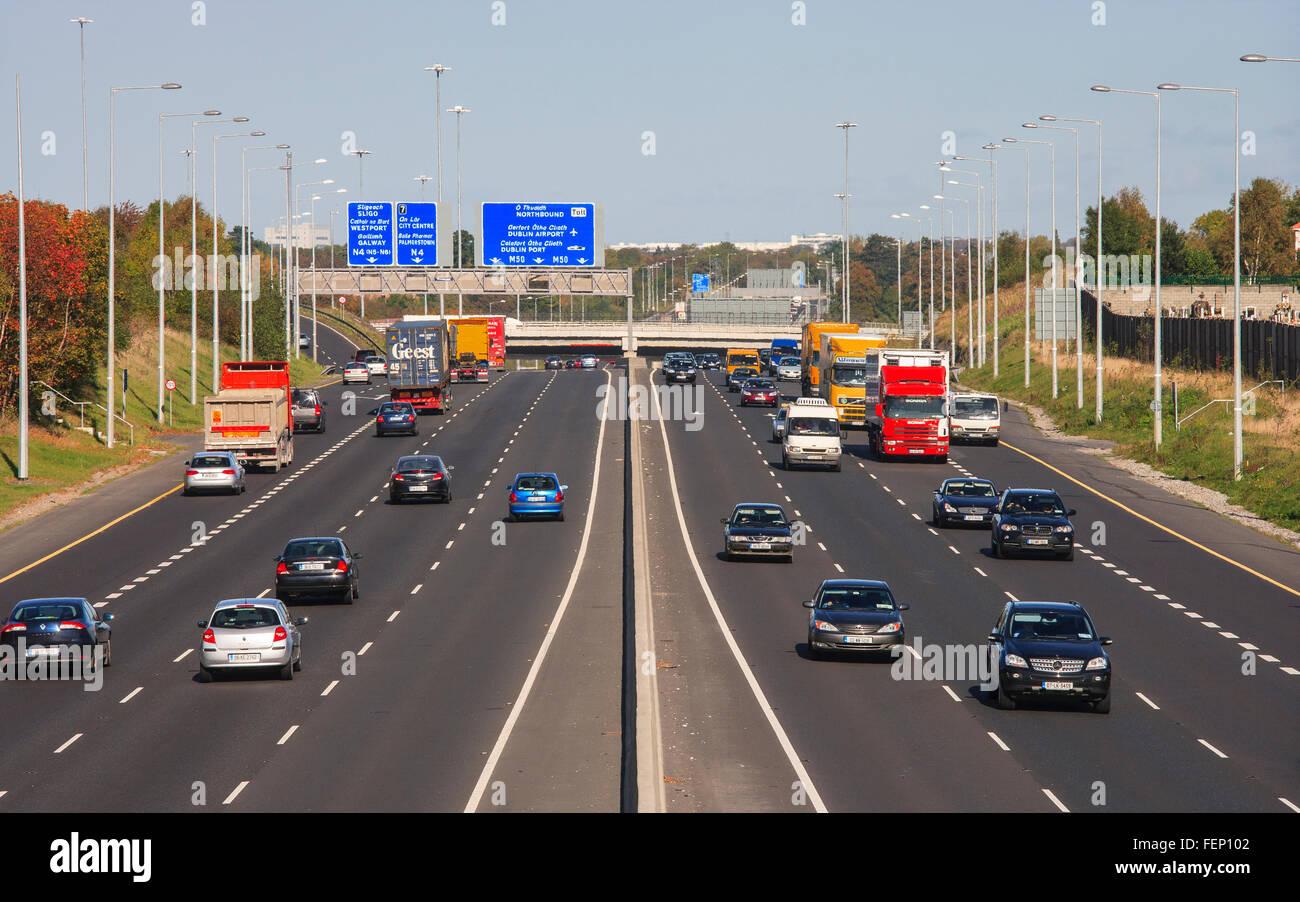 Autostrada m50 ad anello circolare su strada Dublino Irlanda Immagini Stock