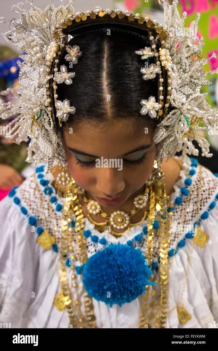 Panamense danza folcloristica. Festival internazionale di danze popolari El Buen Pastor Scuola, comune di Los Olivos, Foto Stock