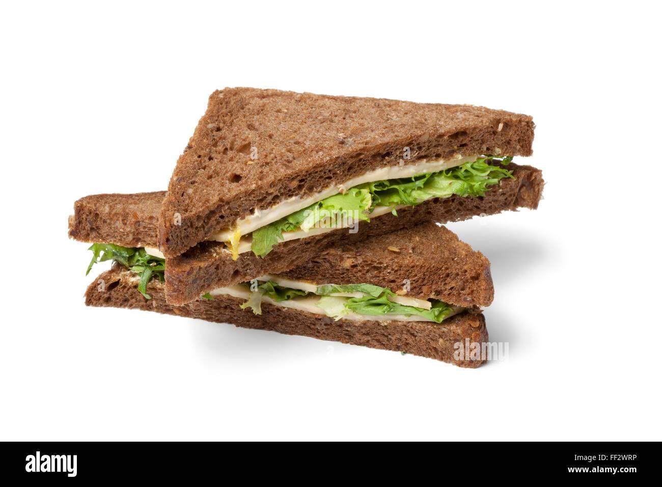 Fresco formaggio sano e insalata panino su sfondo bianco Immagini Stock