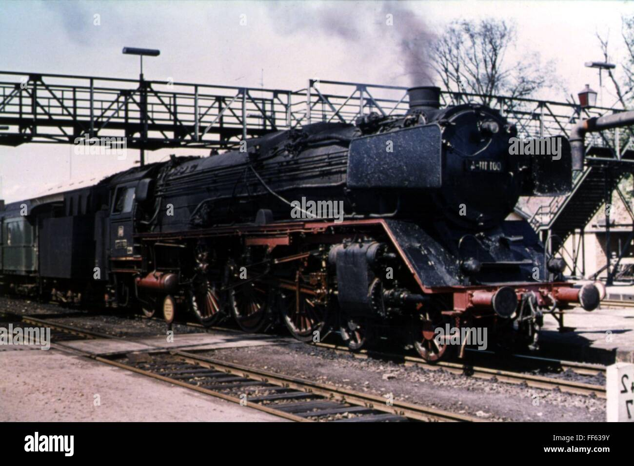 Trasporti / trasporto ferroviario, locomotive, Lok 001111, Bw Hof, VOR P 3228 in Schwandorf, 14.6.1973, 1970s, 70s, Foto Stock
