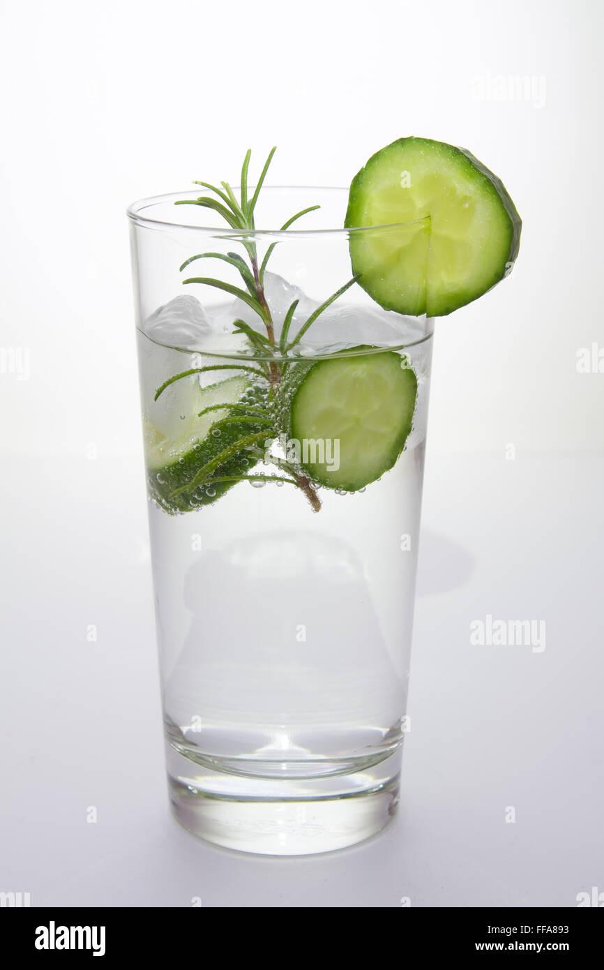 Il gin tonic con il cetriolo Immagini Stock