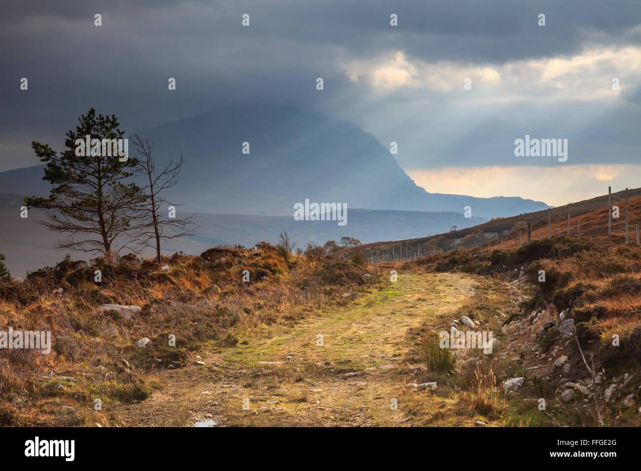 Ben sperare catturato dal sentiero sul lato occidentale del Loch speranza, catturata su un pomeriggio atmosferica Immagini Stock