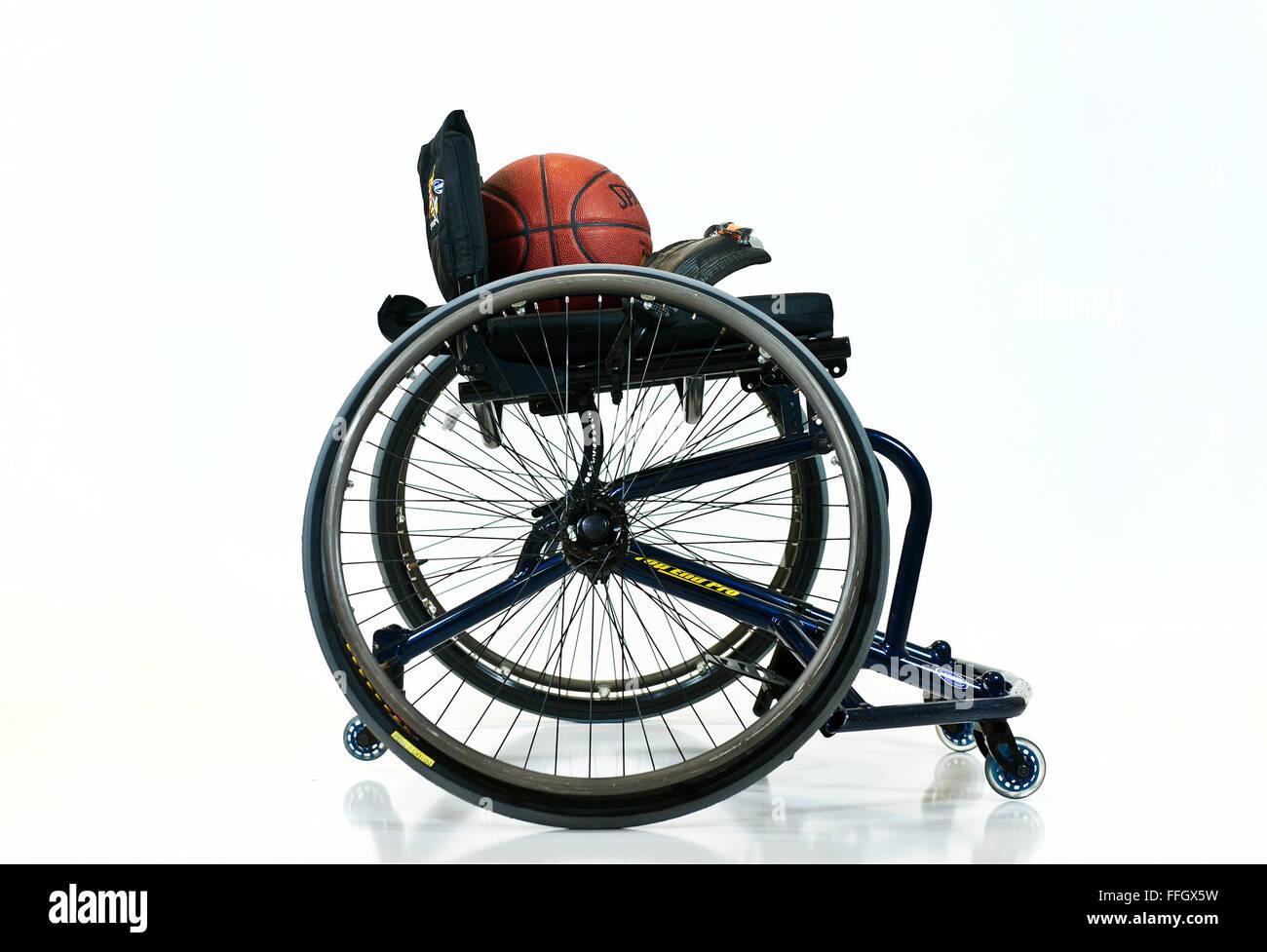 Warrior giochi basket in carrozzella giochi seguono le stesse regole della NCAA con poche modifiche per ospitare Immagini Stock
