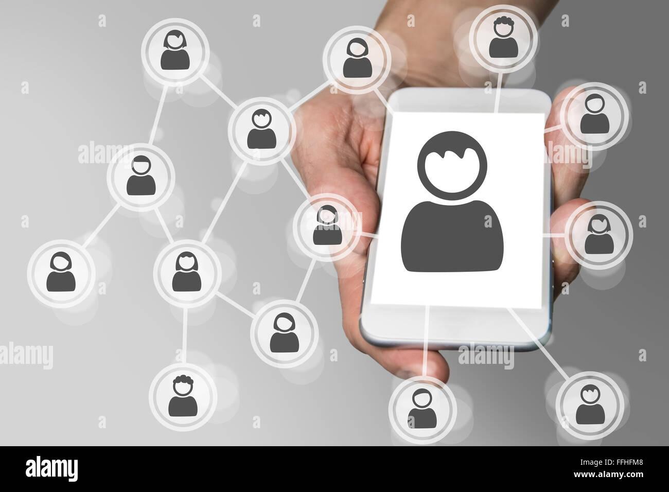 Social network sul dispositivo mobile concetto come smartphone Immagini Stock
