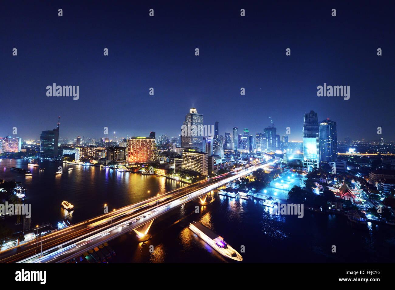 Una bella vista notturna di Bangkok. Immagini Stock
