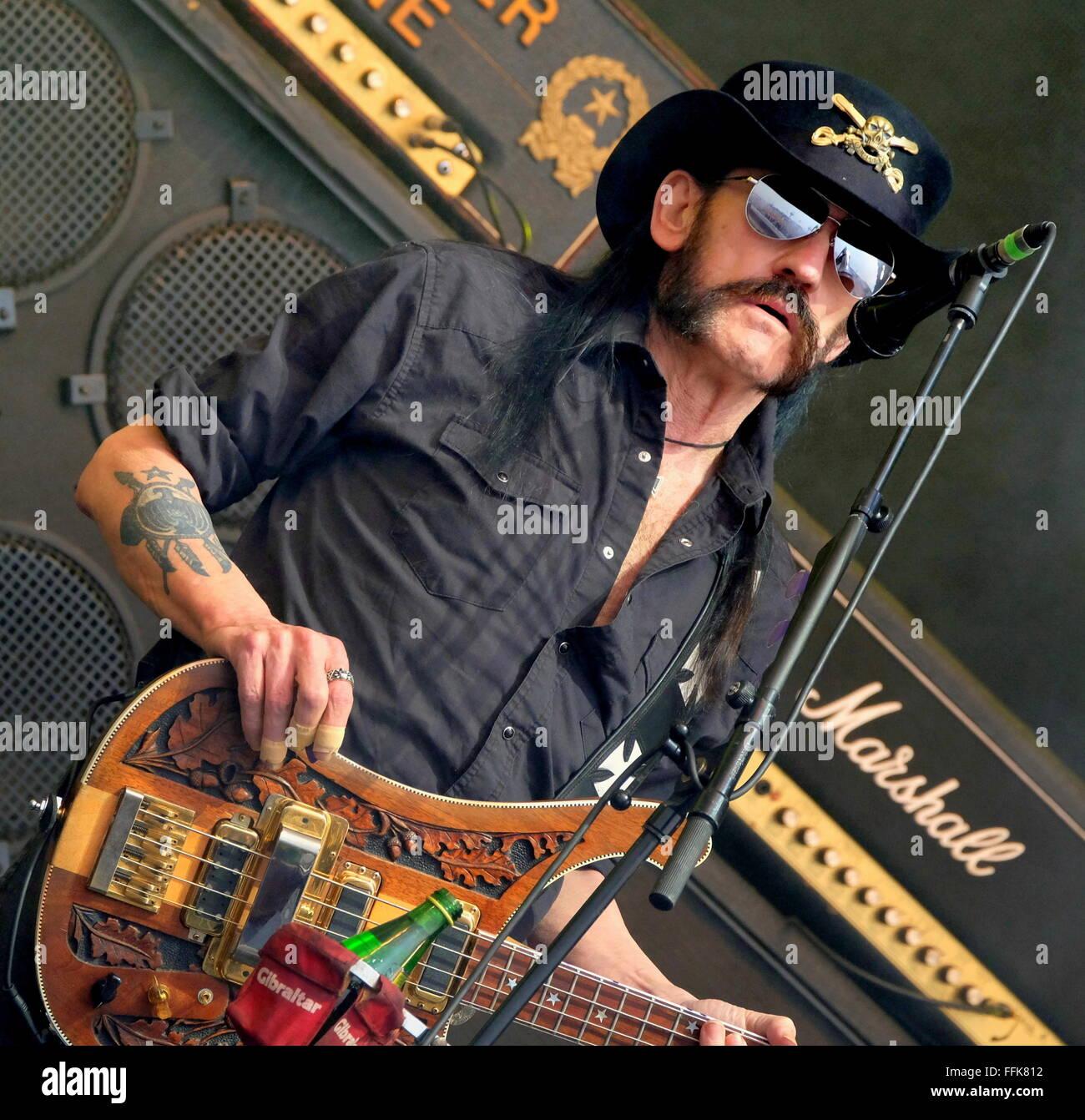 Festival di Glastonbury, Somerset, 26 giugno 2015, Ian Lemmy Kilmister performing live con Motorhead sulla fase Immagini Stock