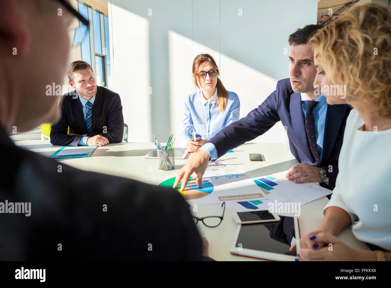 Team di architetti in business meeting Immagini Stock