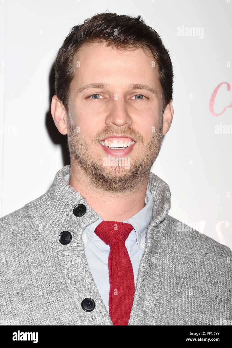 Attore Jon Heder arriva alla premiere di staccata di 'Vigilia di Natale' al ArcLight Hollywood di dicembre Immagini Stock
