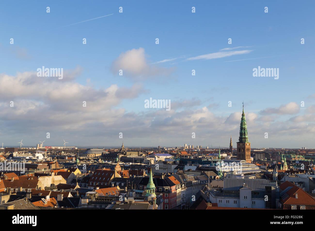 Copenhagen, Danimarca - 3 Febbraio 2016: veduta dello skyline dalla torre circolare. Immagini Stock