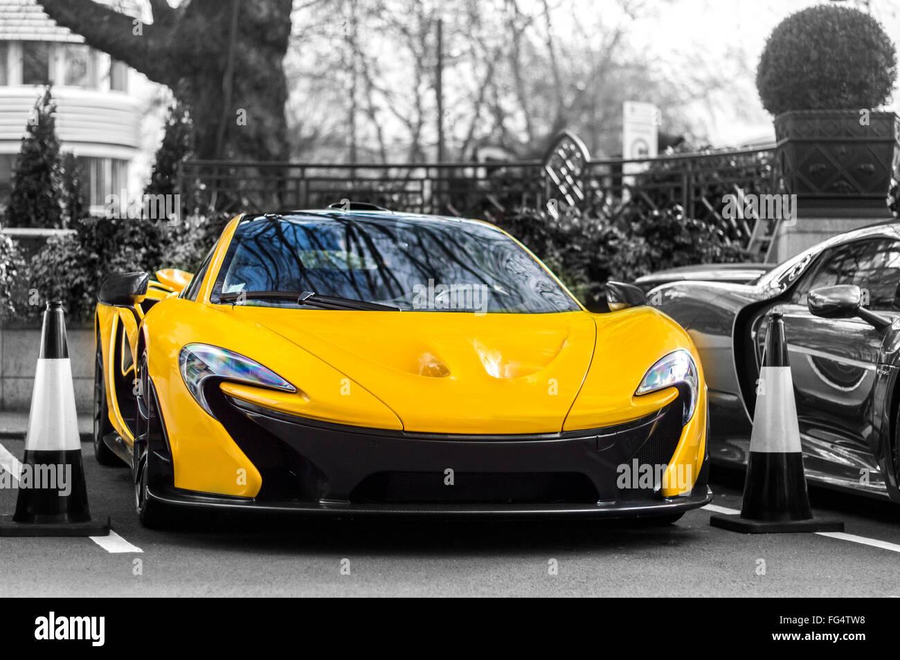 McLaren P1 nella città Immagini Stock