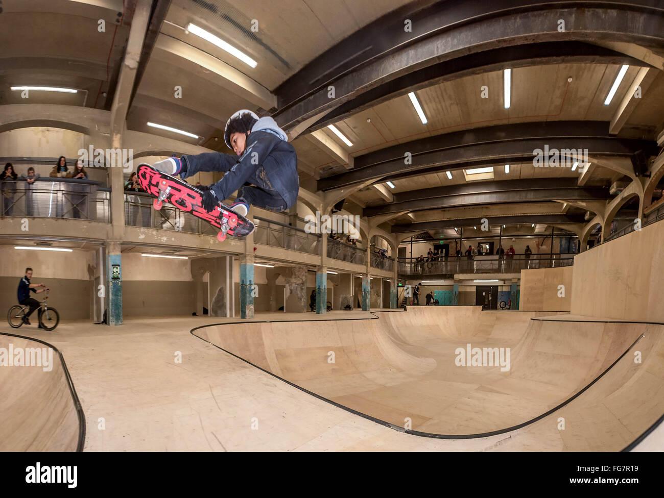 La fonte Park, il più grande del mondo sotterraneo e skate BMX park ha aperto in Hastings, East Sussex. Immagini Stock