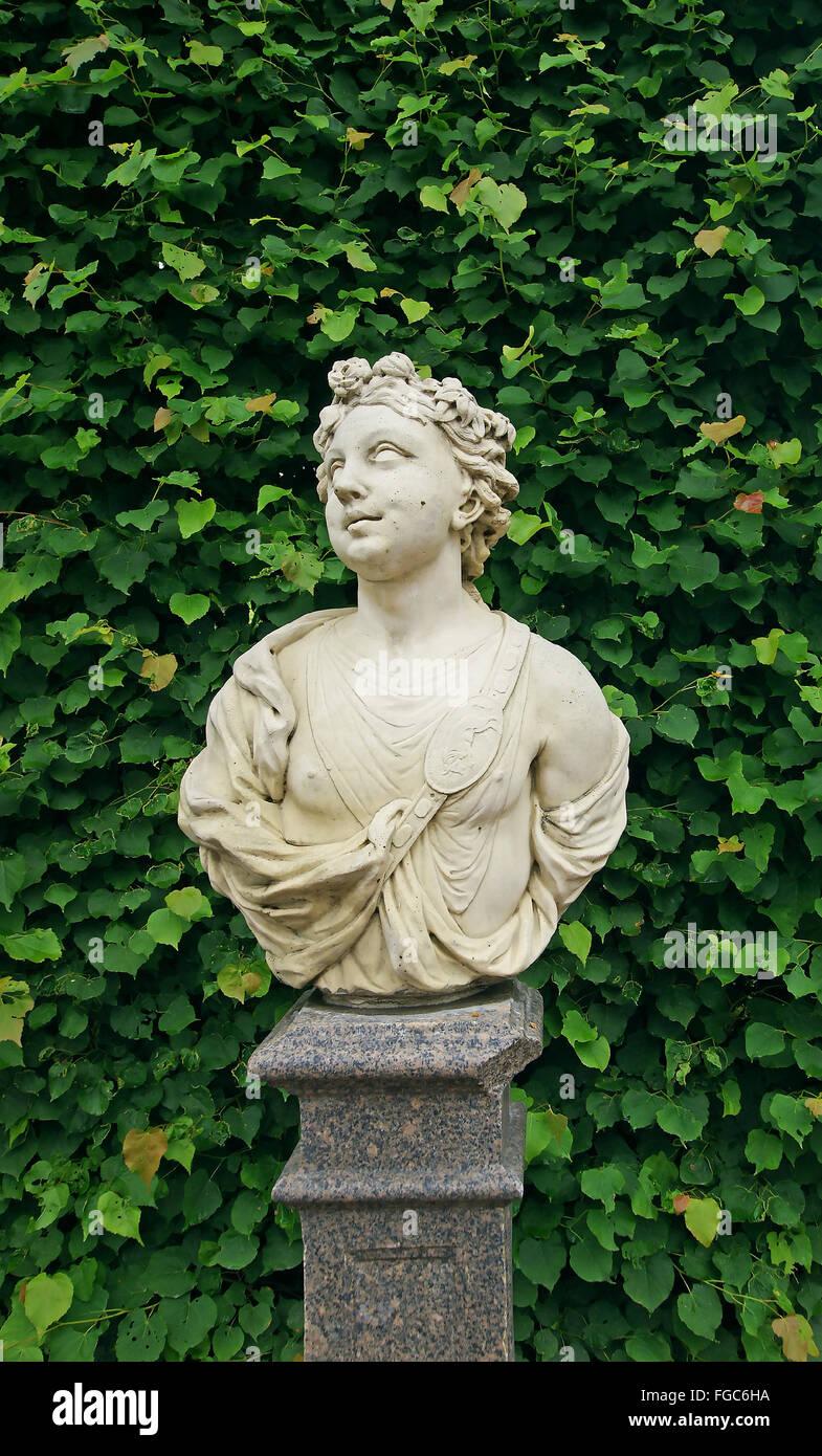 Busto antico scultura di carattere mitologico di uomo Immagini Stock