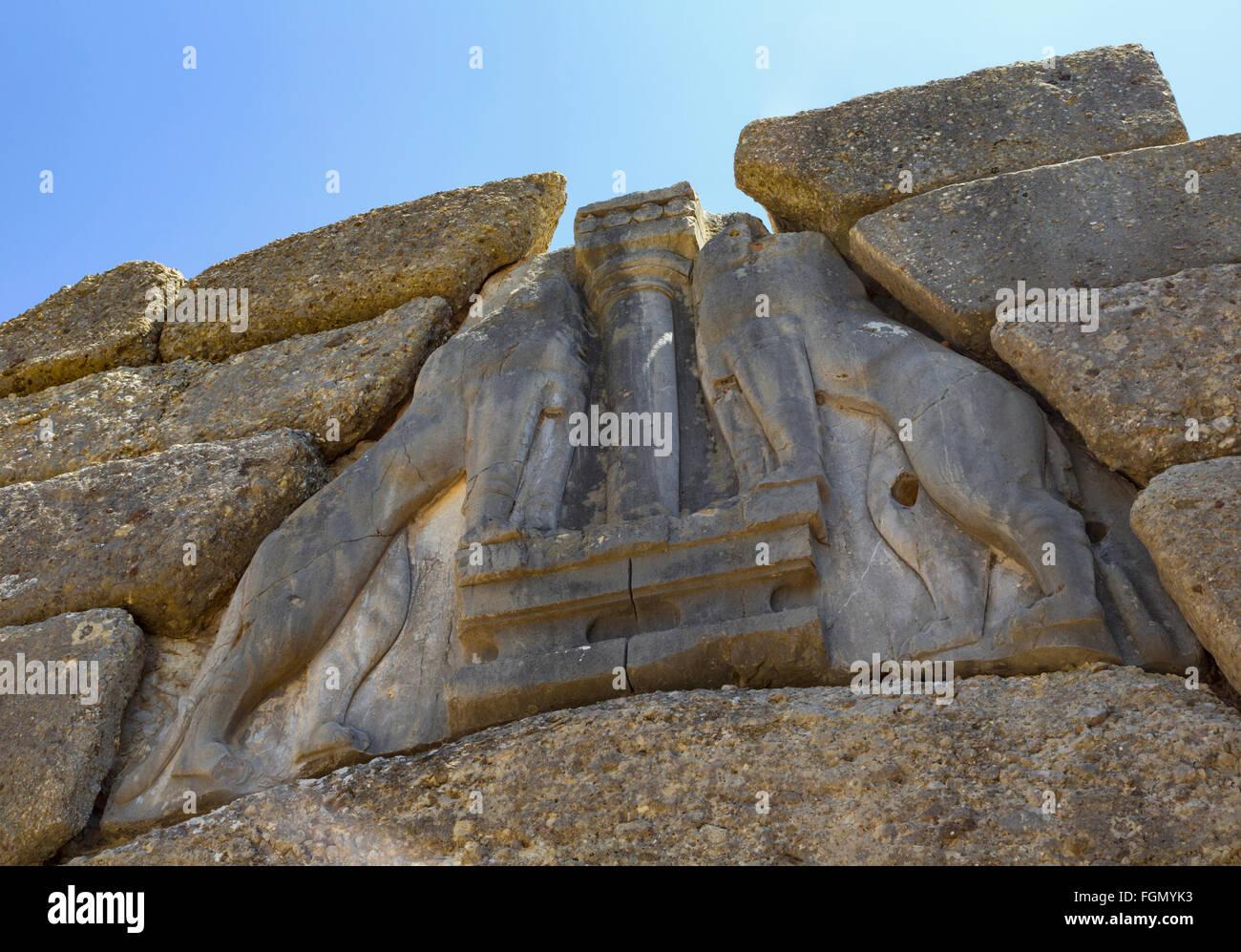Micene, Argolide, Peloponneso e Grecia. La Porta del Leone, risalente al XIII secolo a.c. impostato nelle mura ciclopiche. Immagini Stock