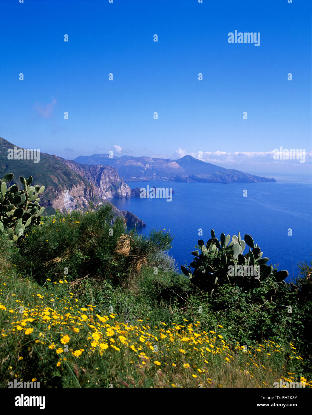 Isola di Lipari, vista dal Belvedere di Quattrocchini, Isole Eolie, in Sicilia, Italia, Europa Immagini Stock