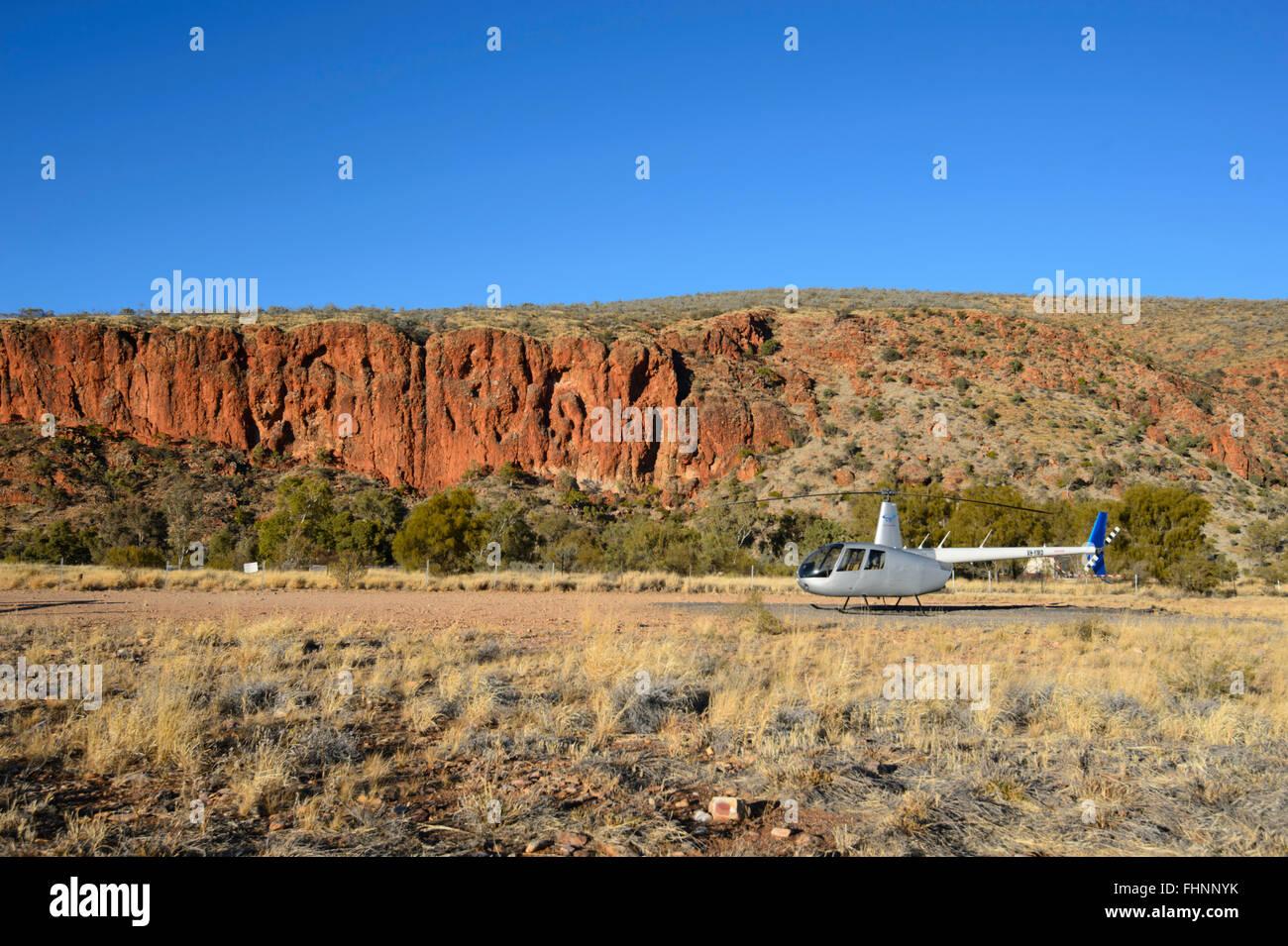 Robinson R44 di volo panoramico, Glen Helen Gorge, Territorio del Nord, l'Australia Immagini Stock