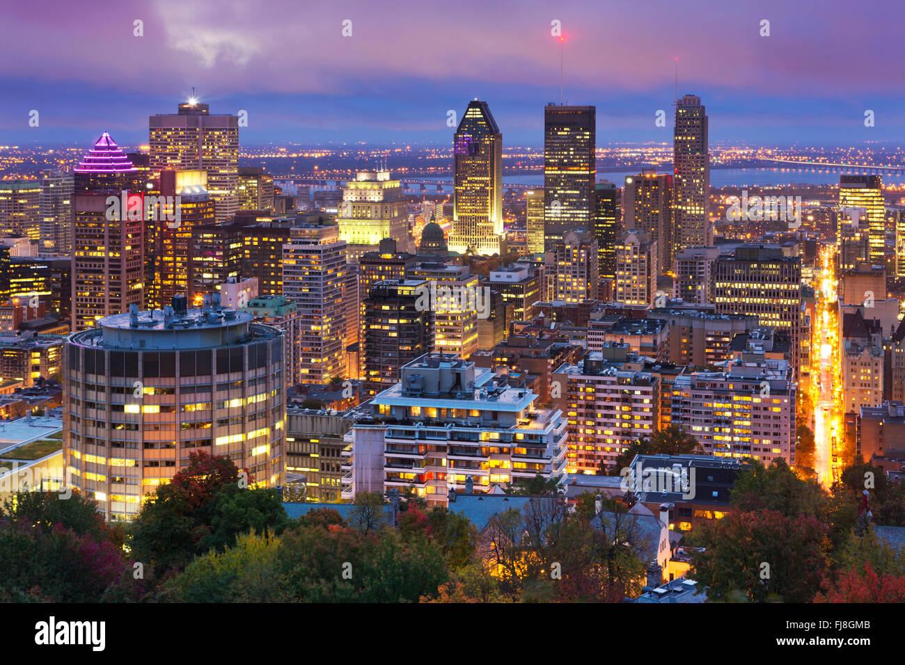 Lo skyline del centro cittadino di Montréal, Québec, Canada dalla cima di Mount Royal. Fotografato al Immagini Stock