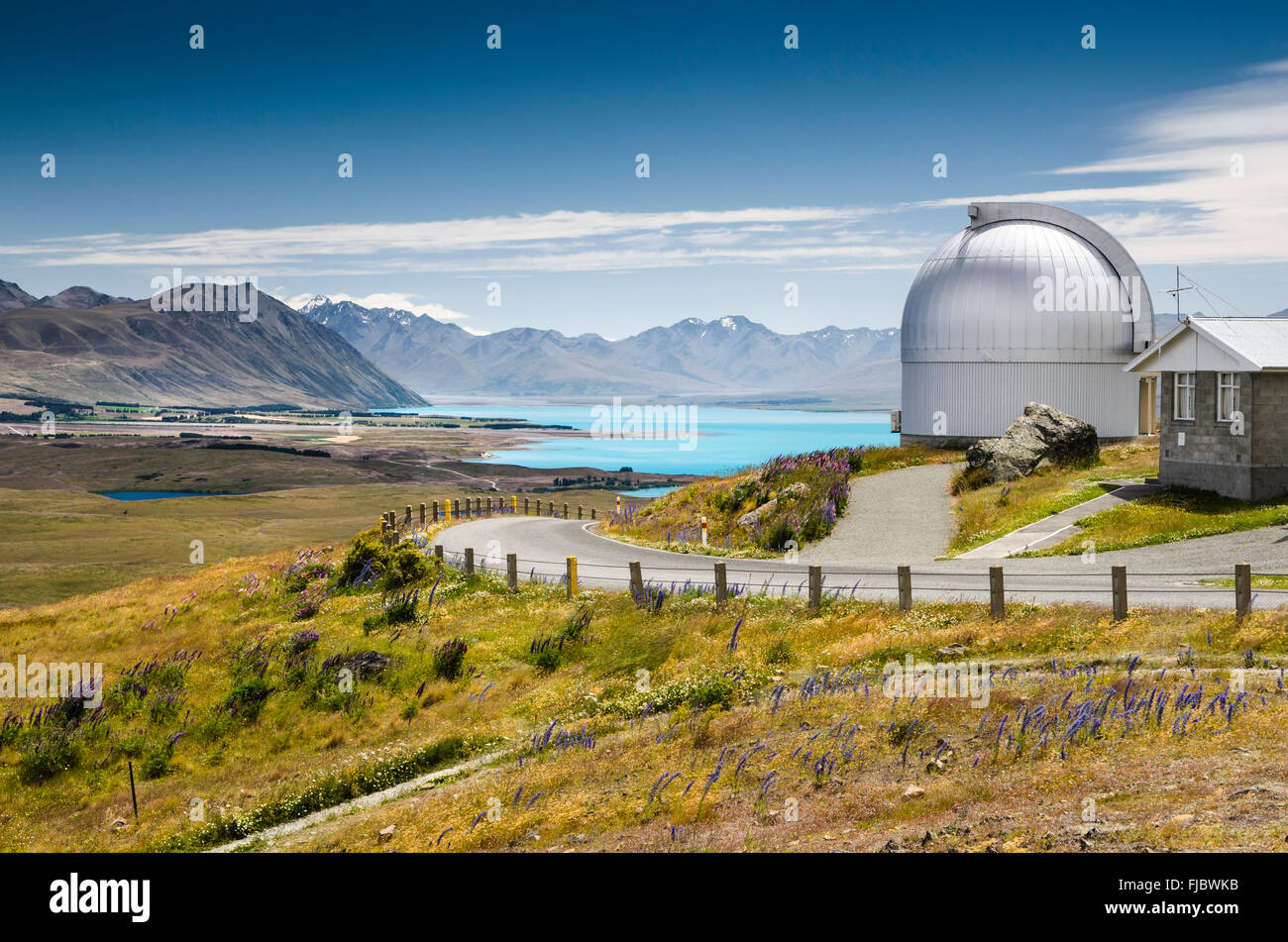 Montare John University Observatory, turchese Lago Tekapo dietro, Tekapo Highlands, Tekapo, Twizel, regione di Canterbury Immagini Stock