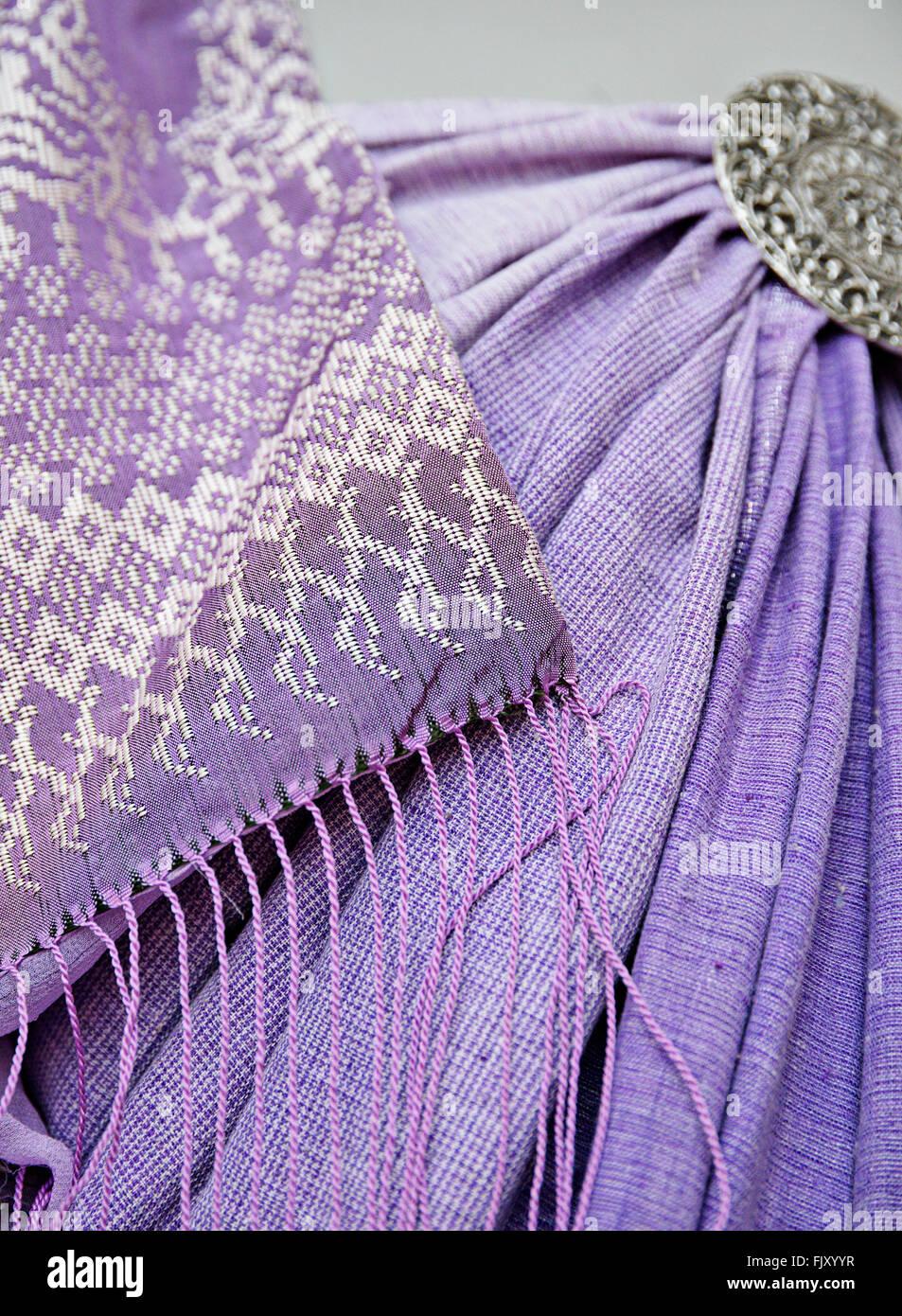 Artigianato tradizionale (songket, un clebrational sarong) in Terengganu, Malaysia. Immagini Stock
