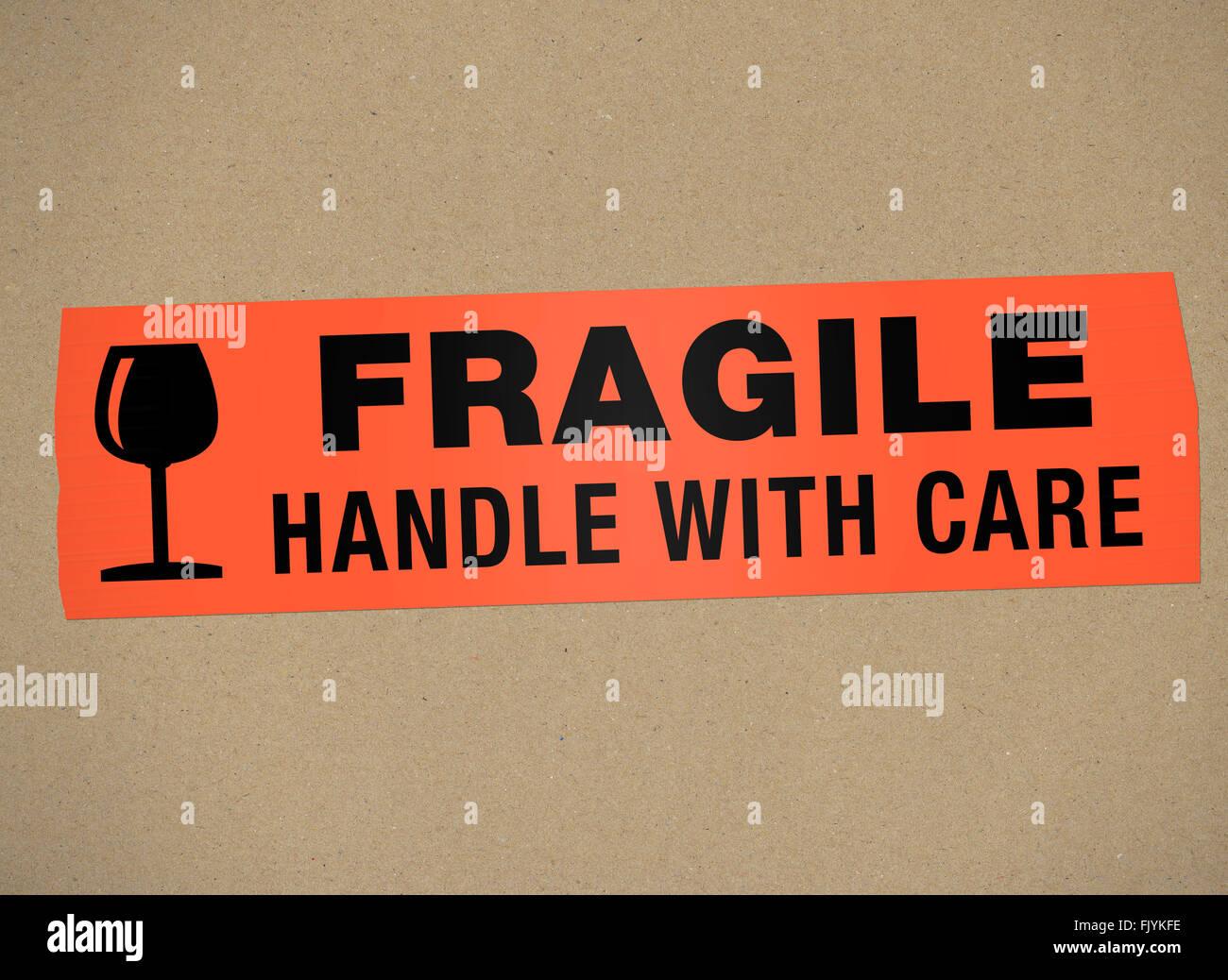 Cartone - Fragile maneggiare con auto Immagini Stock