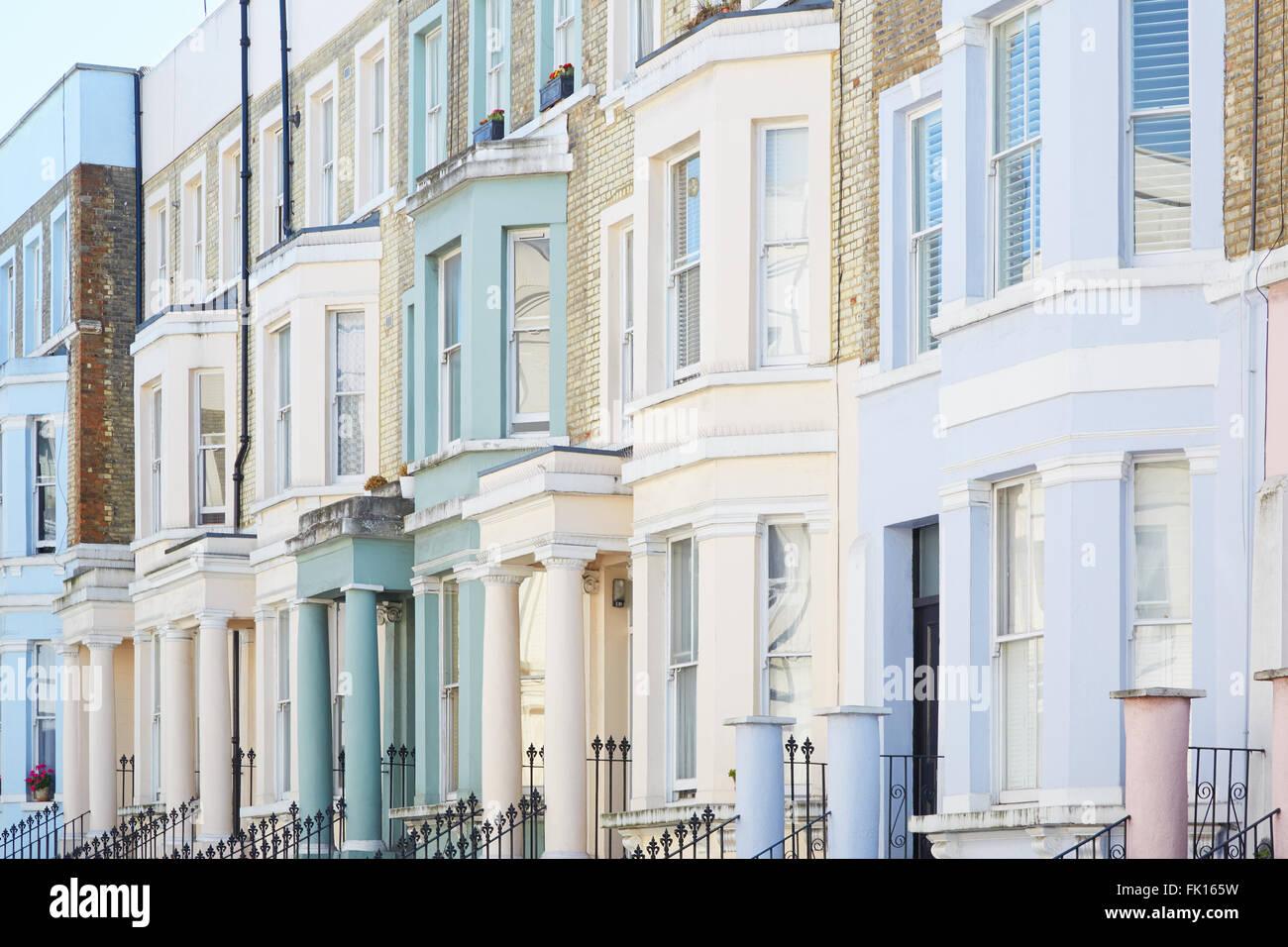 Color pastello facciate di case a Londra Foto Stock