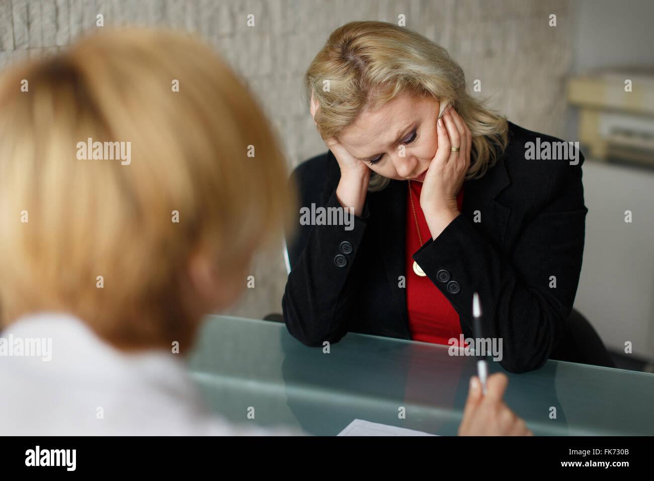 Imprenditore in fallimento, fallimento, situazione in ufficio Immagini Stock
