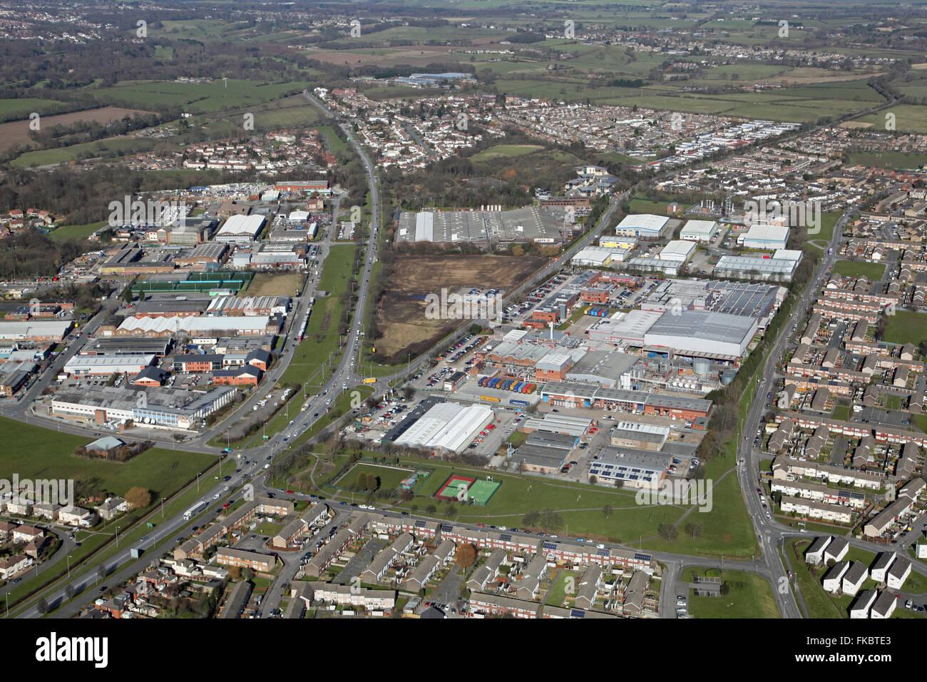 Vista aerea di carbone su strada e Limewood approccio con l'anello di Leeds Road A6120, Regno Unito Immagini Stock