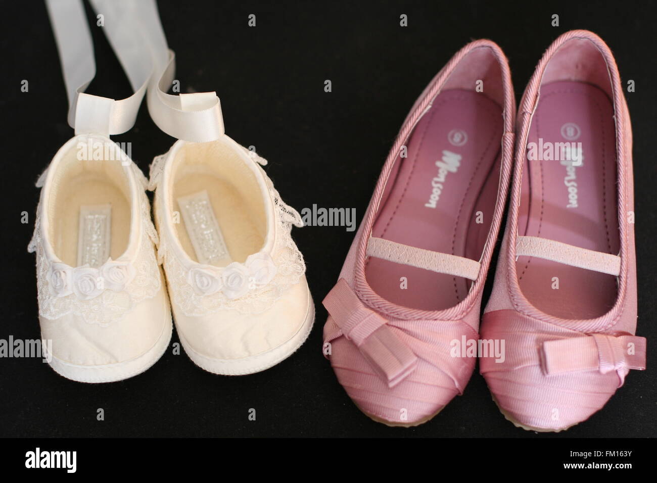 Christening Shoes Immagini   Christening Shoes Fotos Stock - Alamy 205c1be73b5