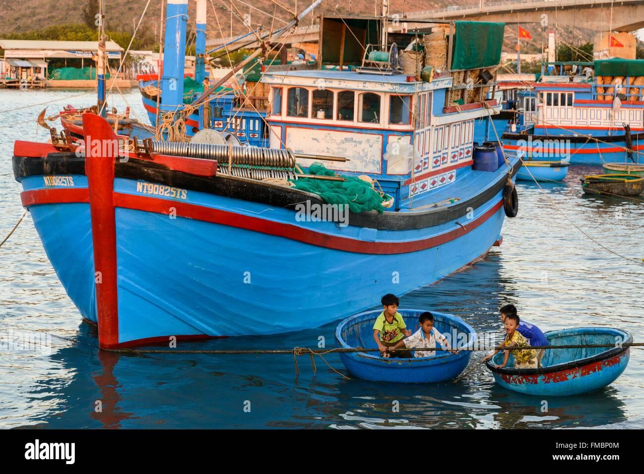 Il Vietnam, Ninh Thuan provincia, Phan Rang, il porto di pesca Immagini Stock