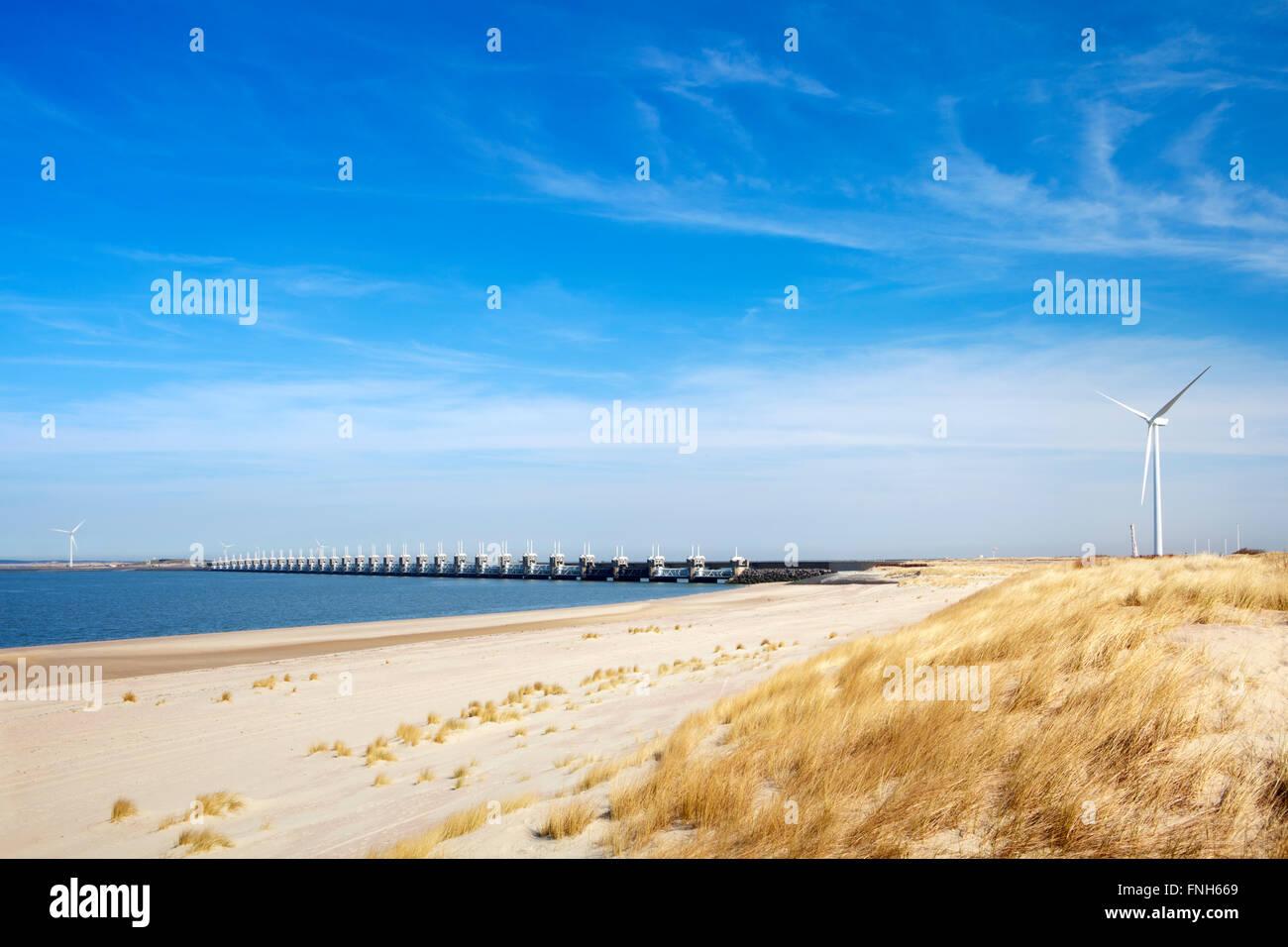 La Schelda orientale mareggiata barriera (Oosterscheldekering) nella provincia olandese della Zeeland. Questa è Immagini Stock