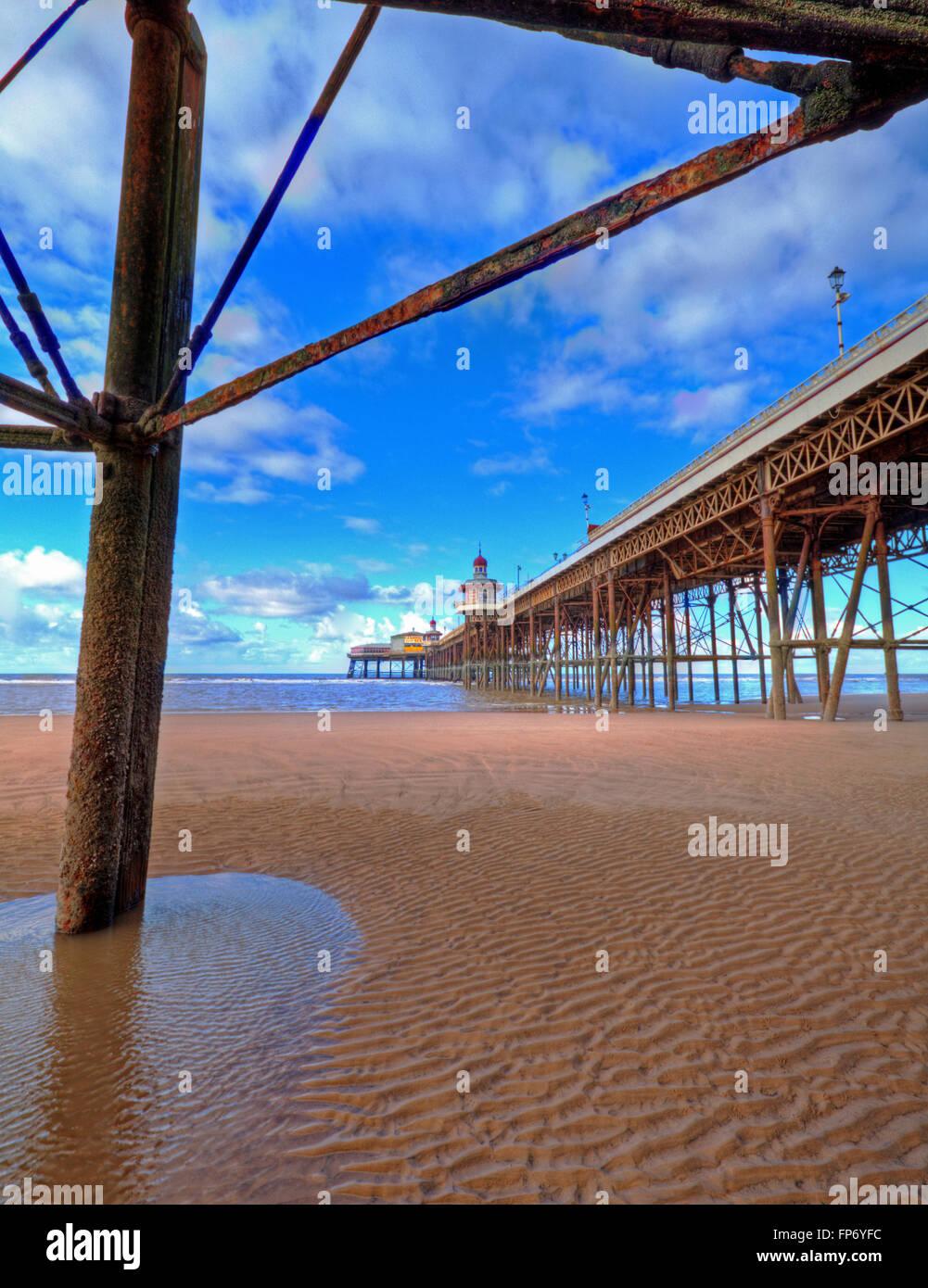 Una vista lungo la North Pier di Blackpool dall'ala sud. Immagini Stock