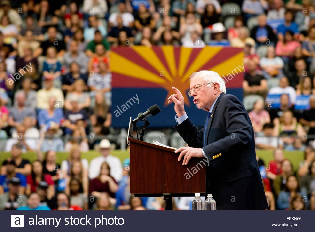 Tucson, Arizona, Stati Uniti. Il 18 marzo, 2016. Bernie Sanders al Rally Tucson Convention Center il precedente Immagini Stock