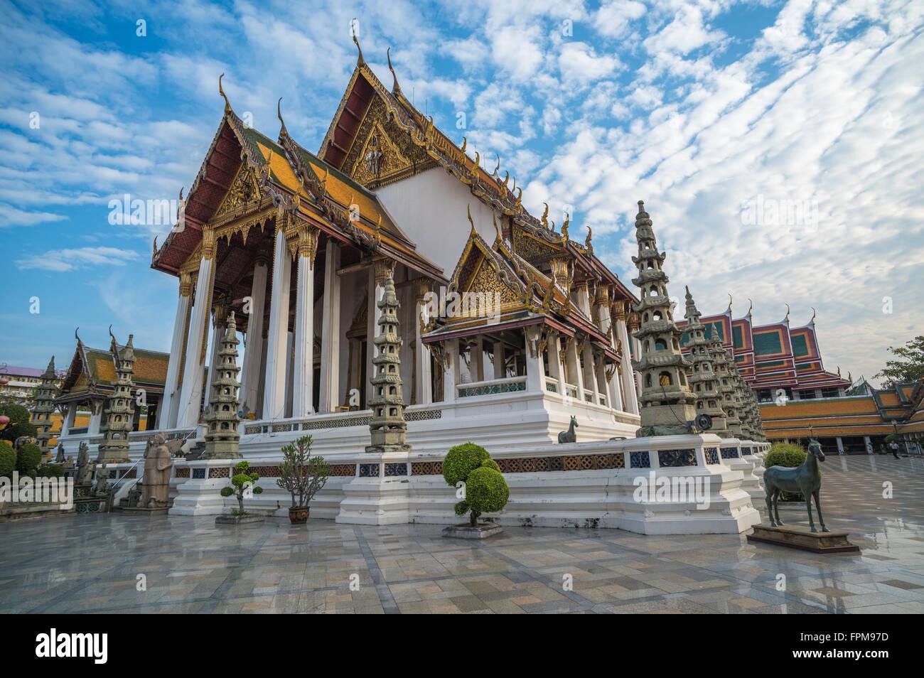Wat Suthat tempio a Bangkok, in Thailandia Immagini Stock