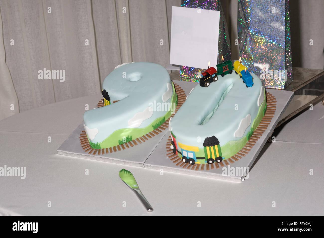 Longevità,Novanta,parte,torta,pietra miliare,celebrazione,novantesimo Immagini Stock
