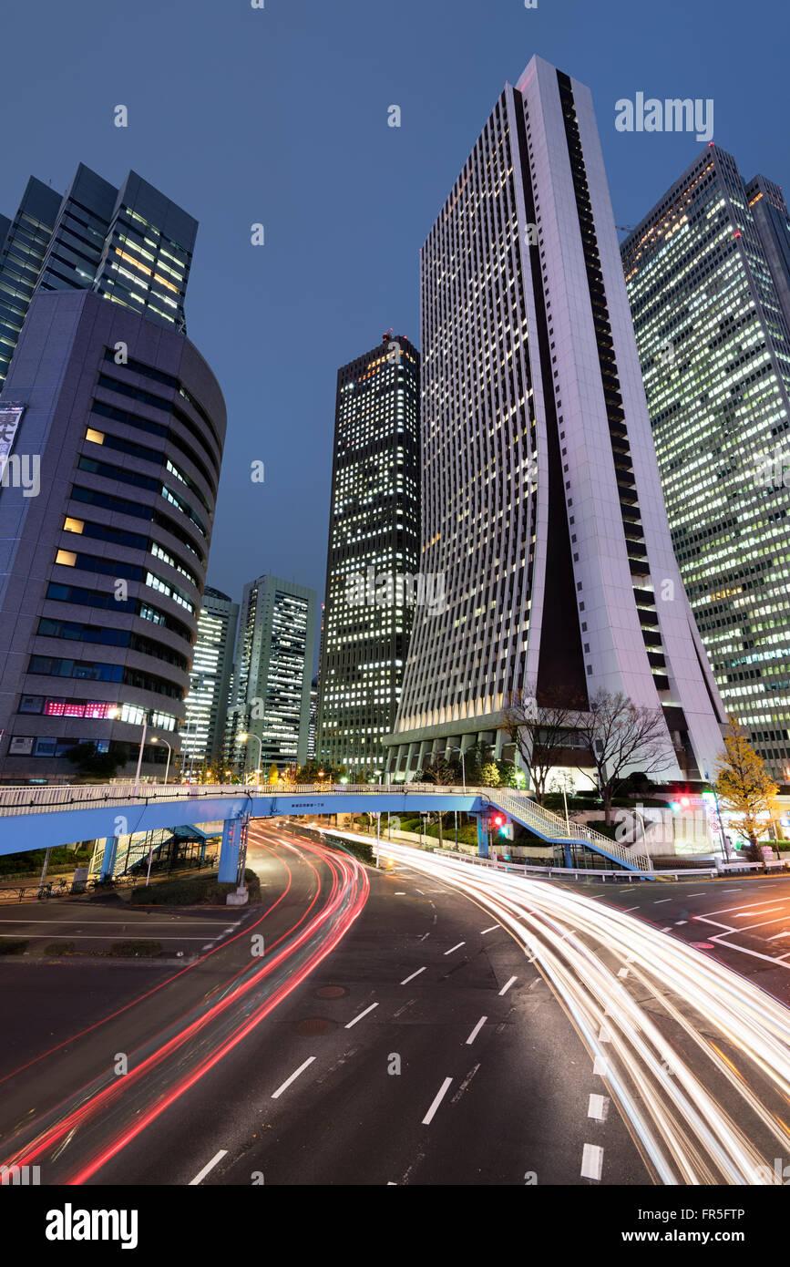 Vista notturna di Shijuku Ward a Tokyo - Giappone. Immagini Stock