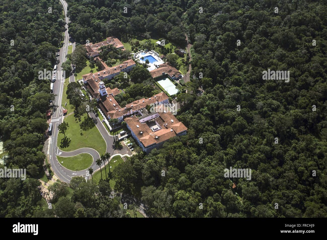 Vista aérea de hotel instalado dentro do Parque Nacional do Iguaçu Immagini Stock