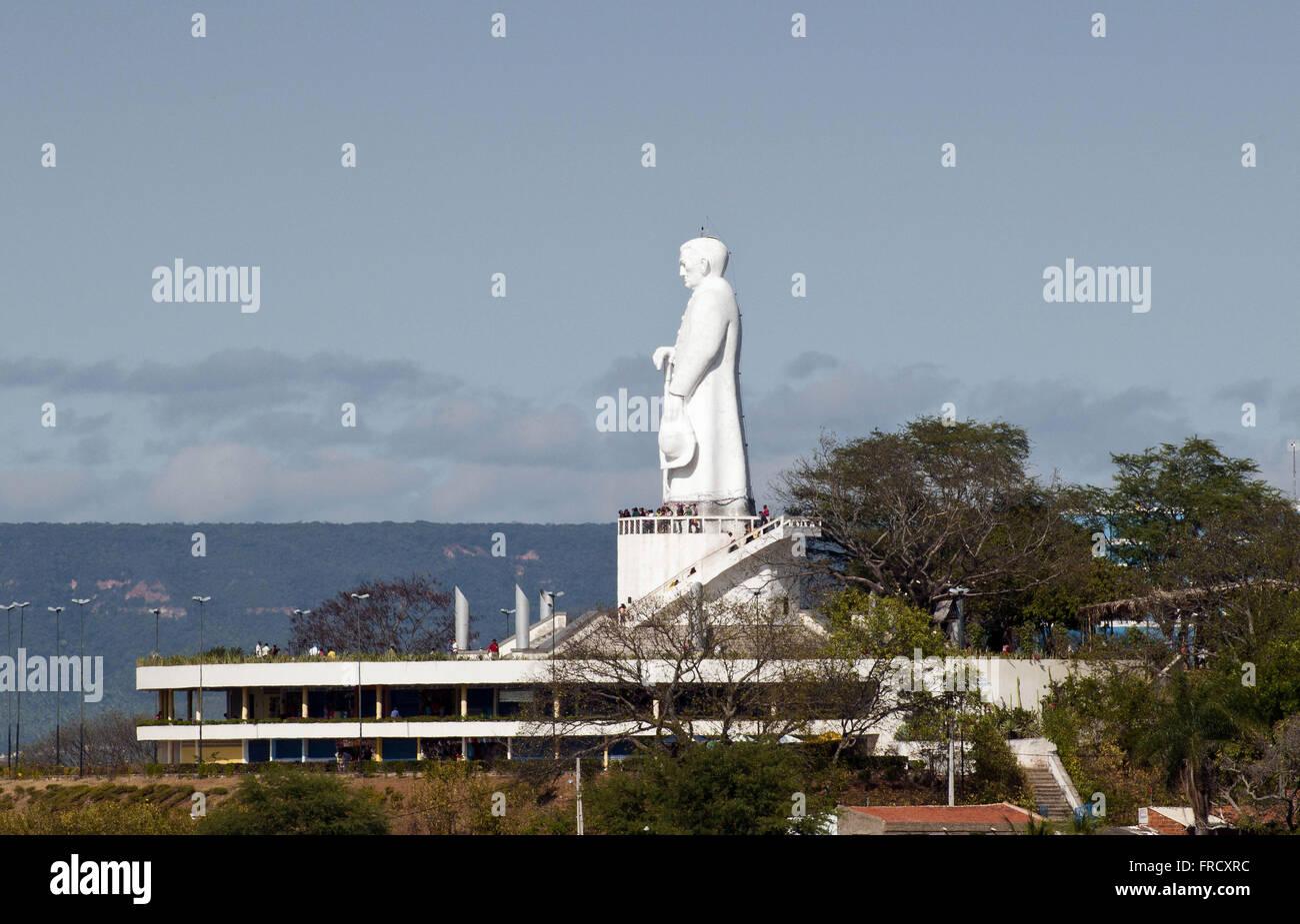 Statua di Padre Cicero sulla collina nel giardino la città di Juazeiro Immagini Stock