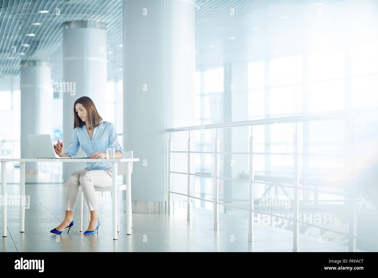 Donna sul lavoro Immagini Stock
