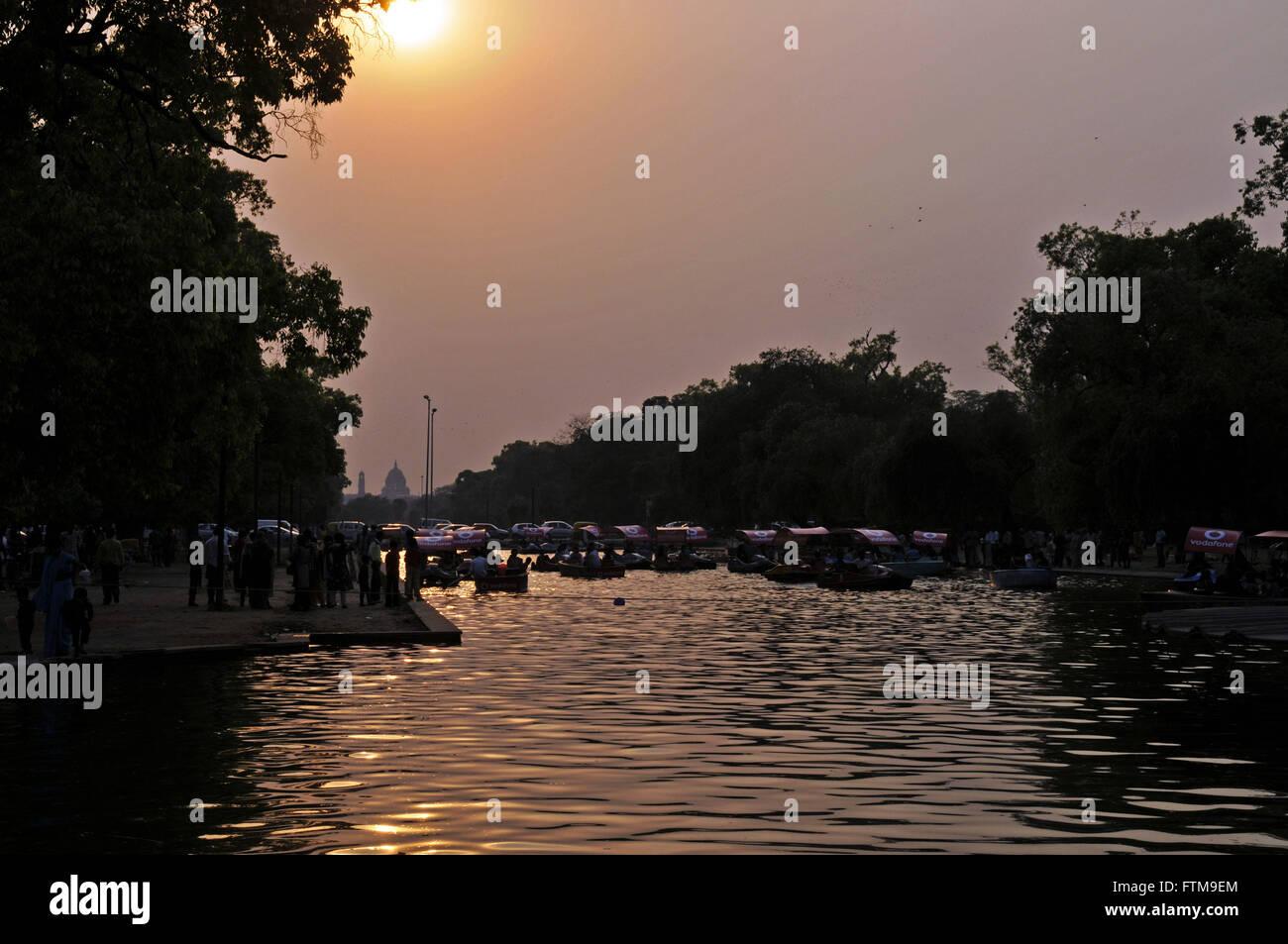 Stagno nel parco in india Gate nella Città di New Delhi Immagini Stock