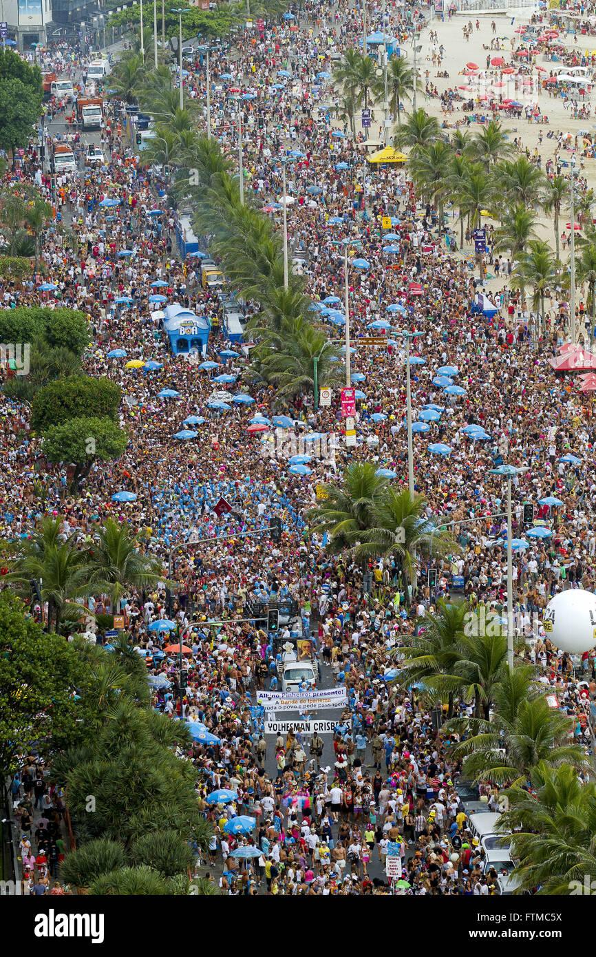 Folla dopo la Banda de Ipanema Immagini Stock