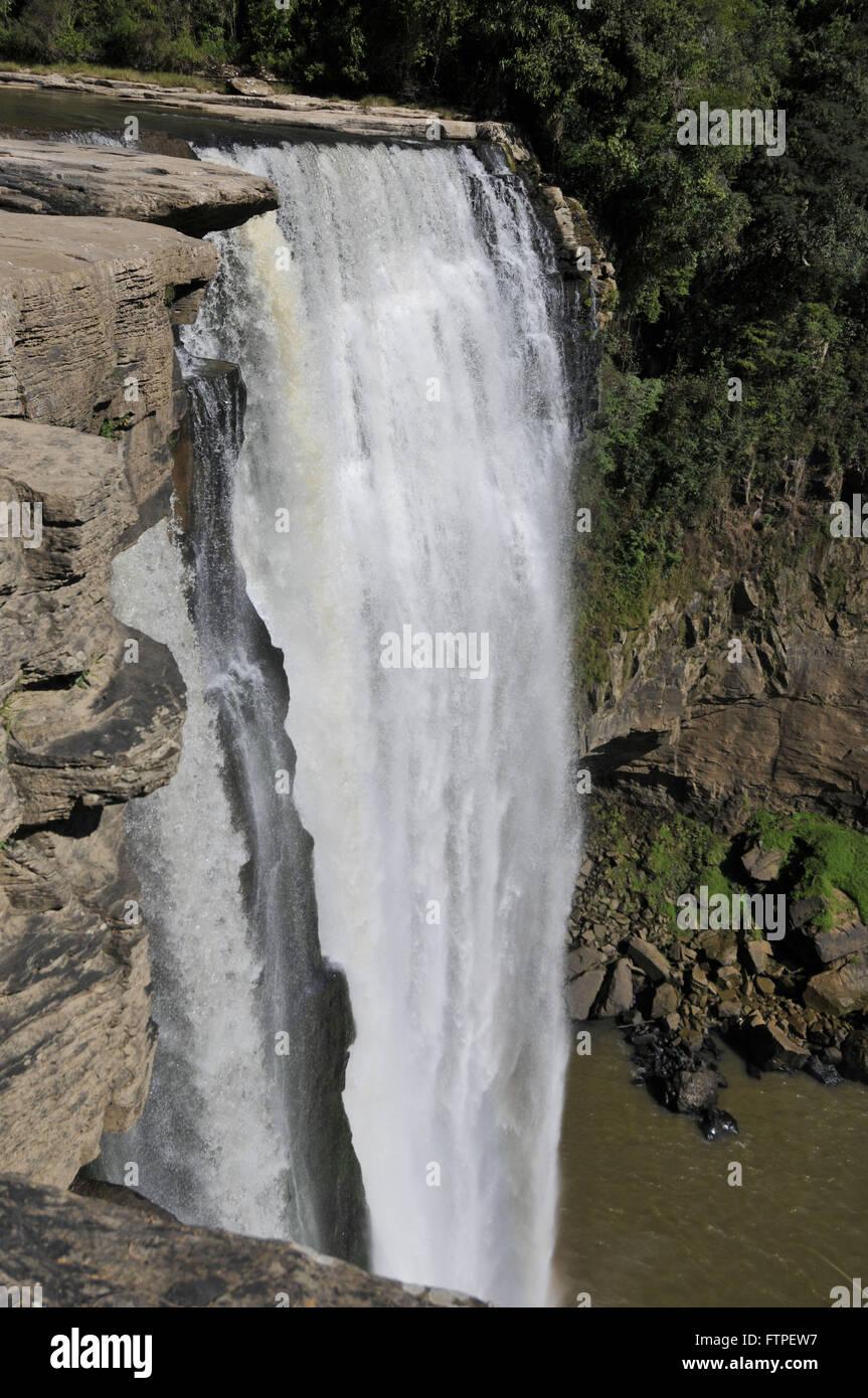 Cascata Salto Barao do Rio Branco si trova a Rio dos Patos in Mandi Immagini Stock
