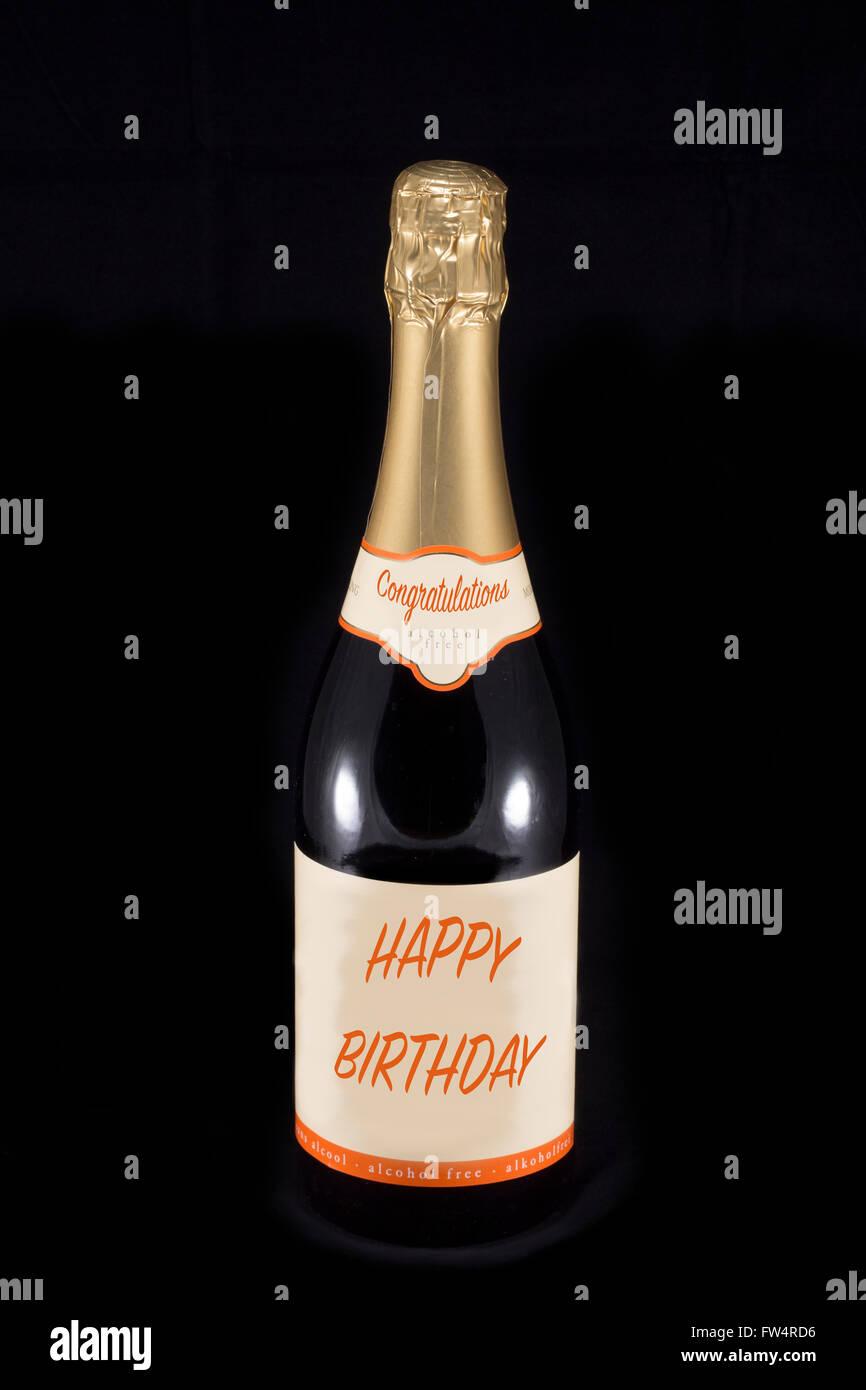 Bottiglia Di Champagne Con Testo Congratulazioni E Buon Compleanno