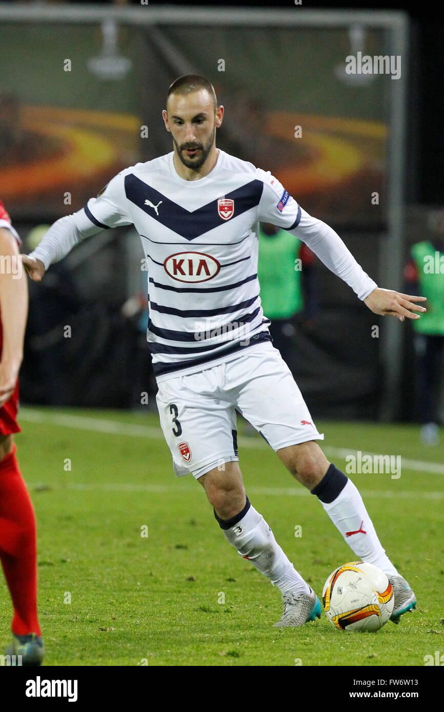 Diego Contento in azione durante il match di Europa League Bordeaux Girondin - FC Sion presso lo Stadio Tourbillon Immagini Stock