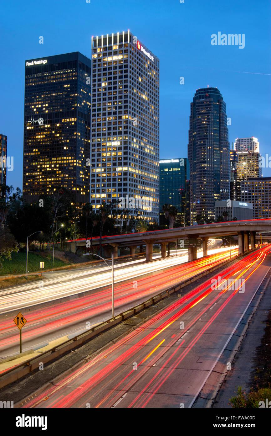 Porto autostrada a Los Angeles durante la notte Immagini Stock