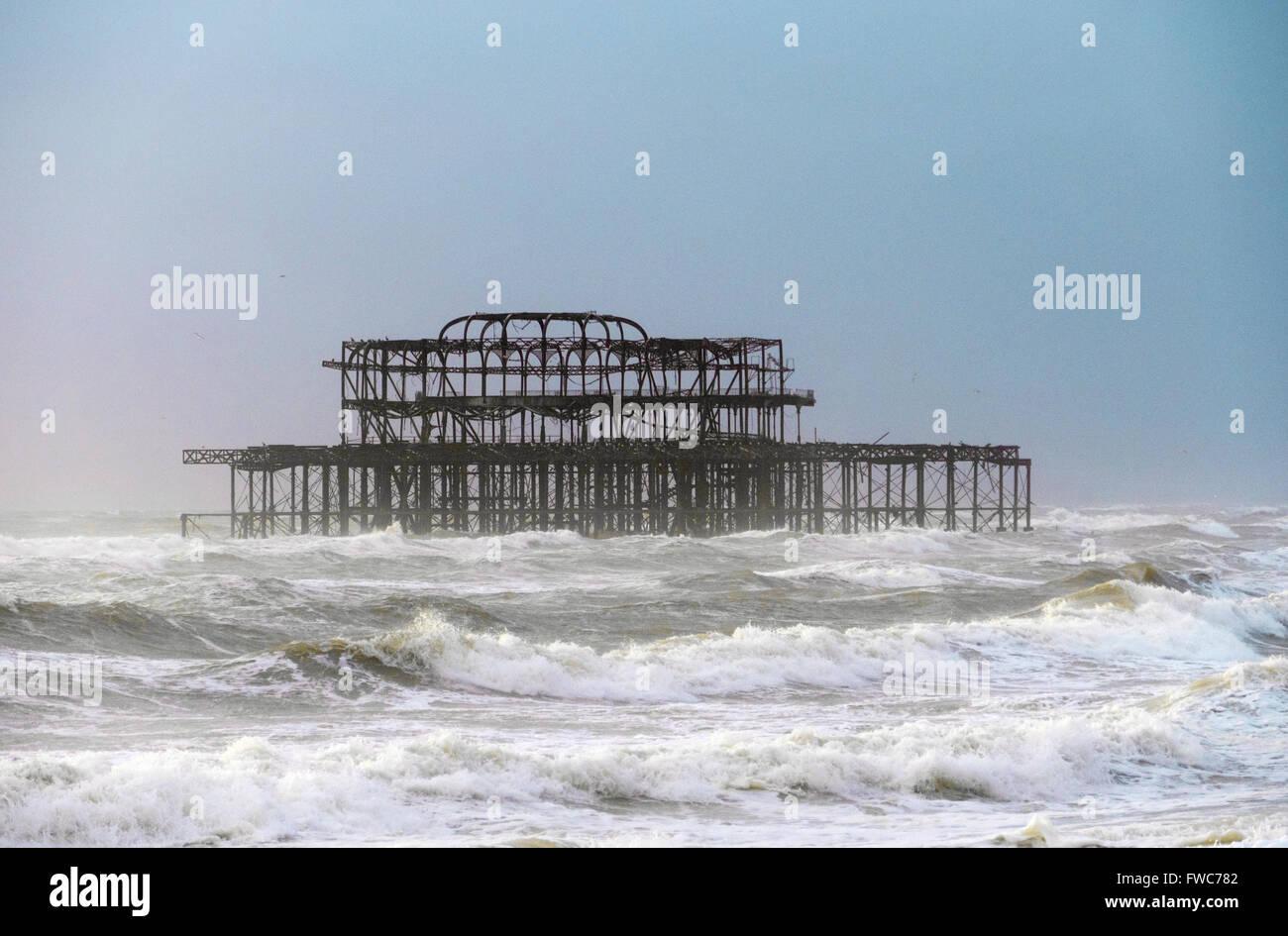 Molo Ovest di Brighton e Spiaggia di Brighton, Brighton, Inghilterra. Immagini Stock