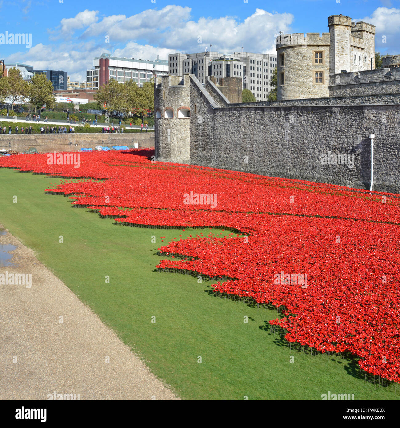 Torre di Londra Poppy Papaveri sangue Sweep Terre e mari di Rosso UK Fotografia