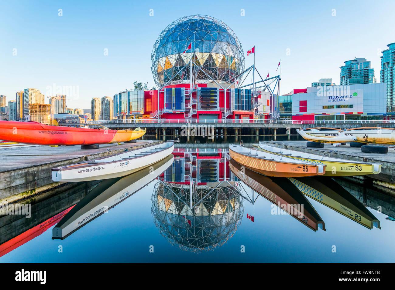 Telus il mondo della scienza, False Creek, Vancouver, British Columbia, Canada Immagini Stock