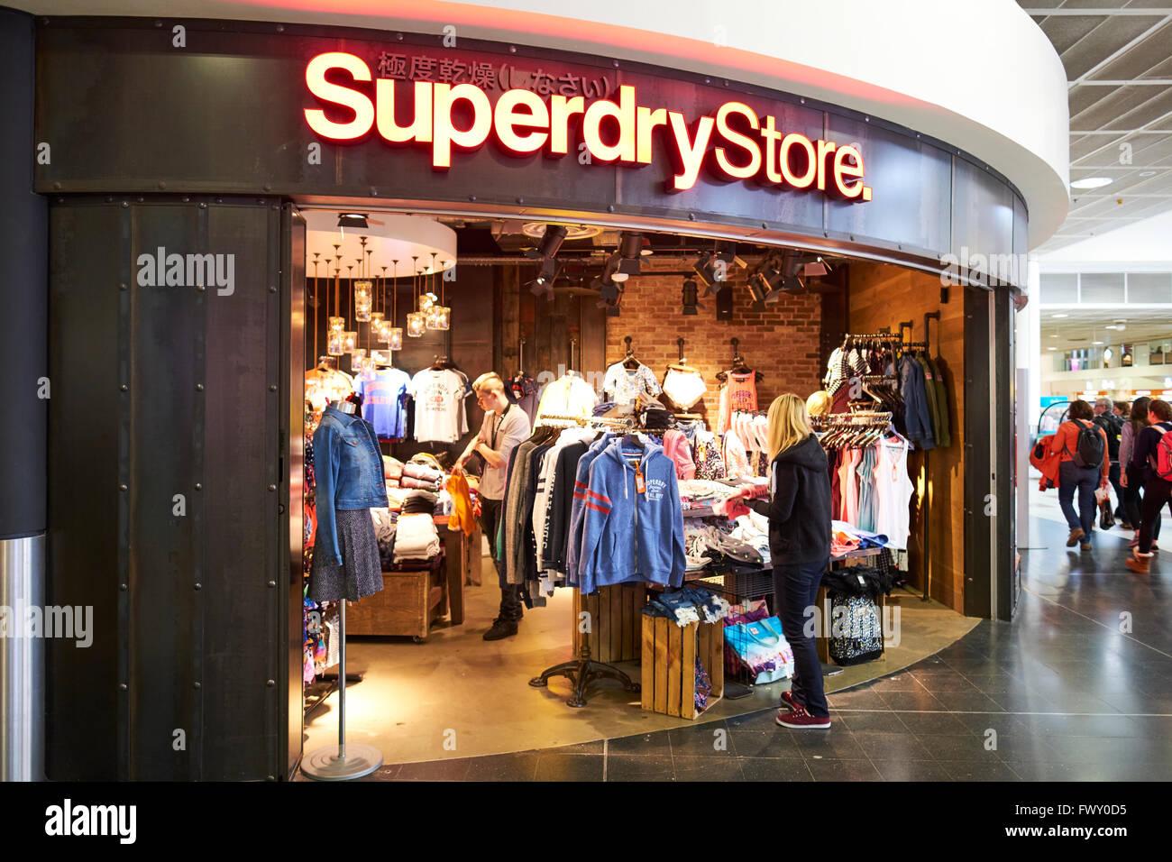 b806b61866 Superdry abbigliamento negozio Duty Free del Terminal Nord di ...