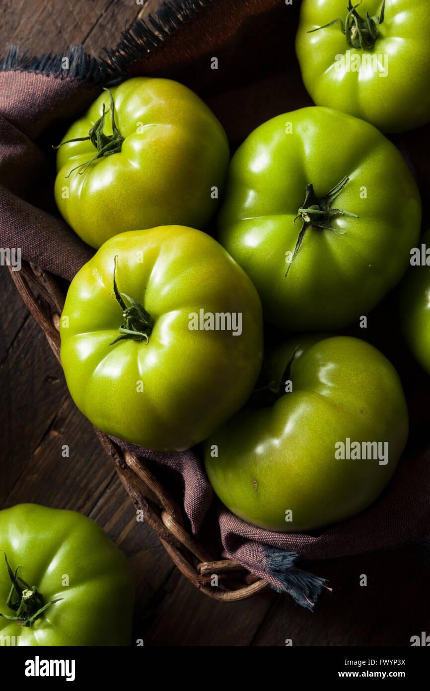 Materie organiche pomodori verdi pronti a mangiare Immagini Stock
